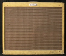 Rental Backline Fender Blues De Ville 212 Effektpedale mieten